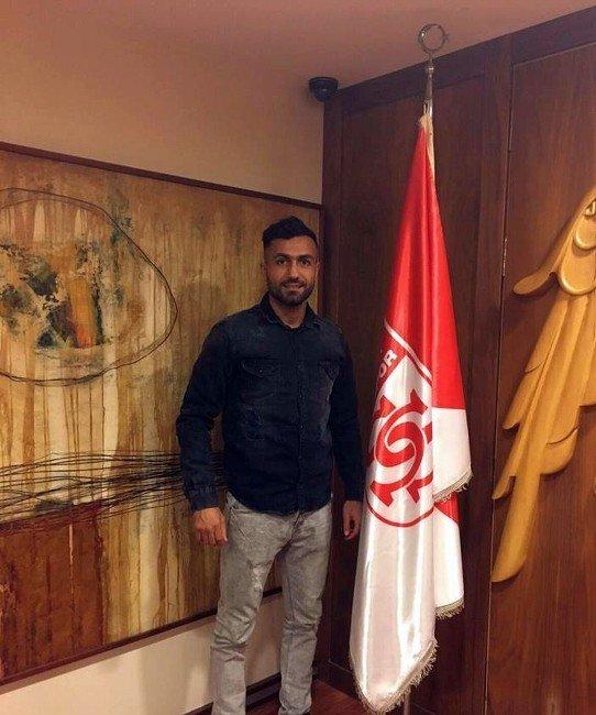 Medicana Sivasspor'a Lübnanlı Stoper