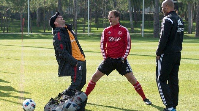Sneıjder Ajax'ın Kampını Ziyaret Etti