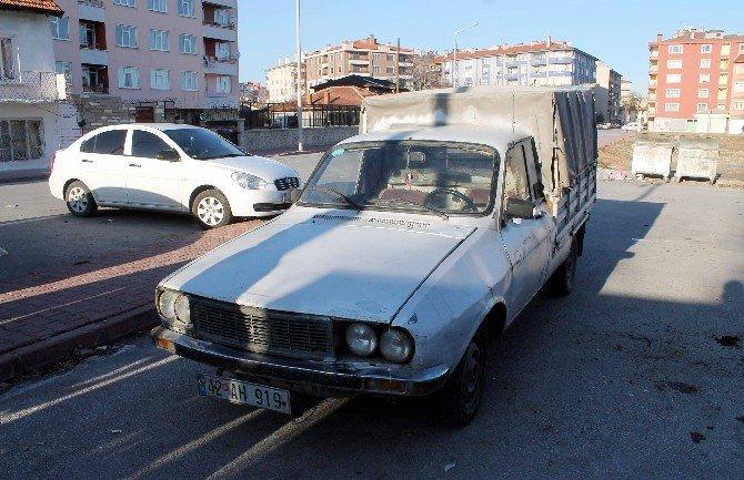 Kamyonet Sürücüsü Çarptı, Kaçtı Yakalandı