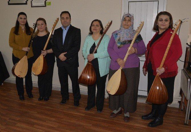 Ev Hanımı Kadınlar Halk Müziği Korosu Kurdular