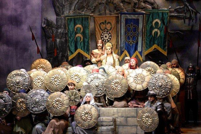 Köroğlu Operası Mersinlileri Büyüledi