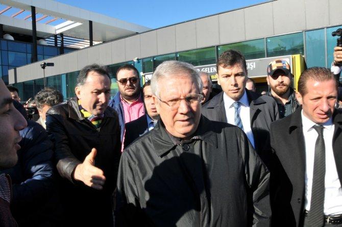 Fenerbahçe Ordu-Giresun Havalanı'nda çiçeklerle karşılandı