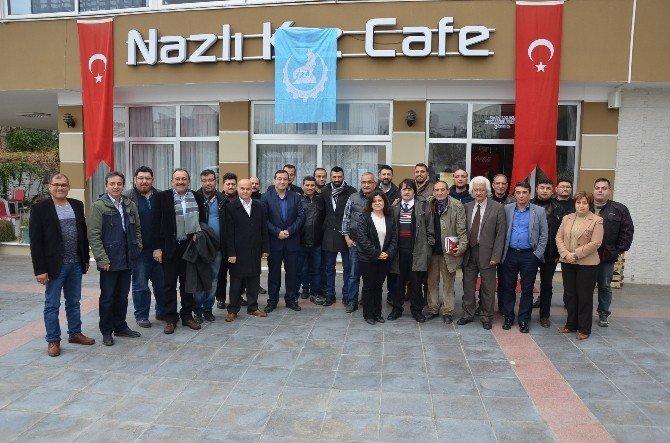 Ülkücü İşçiler Gazetecilerle Bir Araya Geldi