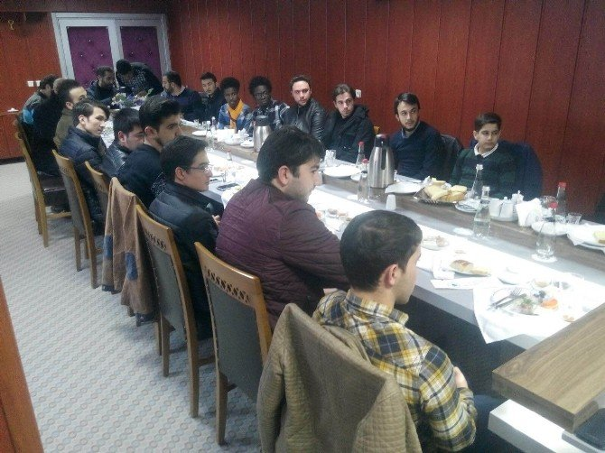Misafir Öğrenciler İstişare Toplantısı Yapıldı