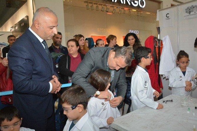 Başkan Çerçi, Forum Magnesia'da Miniklerle Deney Yaptı