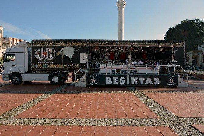 Aliağa'da Beşiktaş Tır'ı Büyük İlgi Gördü