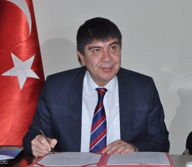 Antalya'da Eğitime Destek Protokolünü İmzaladı