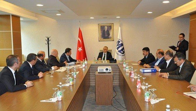 Kamu Görevlilerinin Sorunları Maliye Bakanı Ağbal'a İletildi