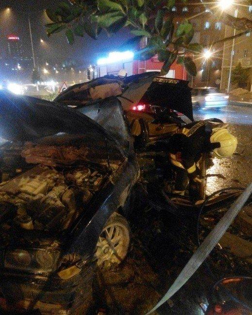 Kaza Yapan Şahsı Sıkıştığı Yerden İtfaiye Kurtardı