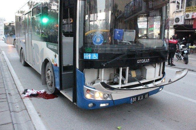 Otobüsün Çarptığı Yaya Ağır Yaralandı