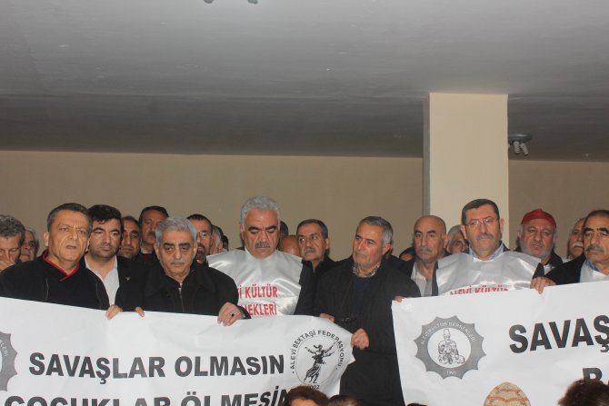 Adana'daki Aleviler açlık grevine destek verdi