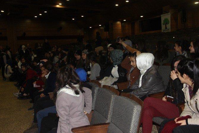 Gençlere Madde Bağımlılığı Tiyatro Gösterisi İle Anlatıldı