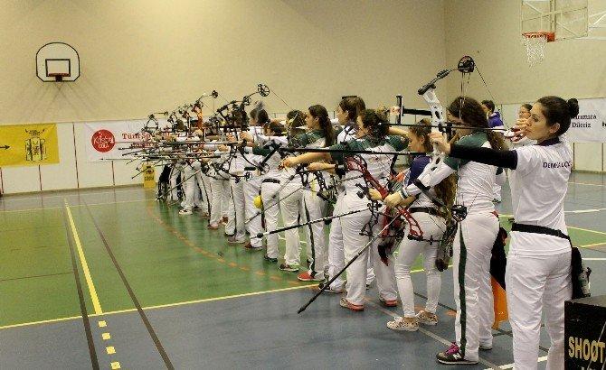 İhlas Koleji'nde Okçuluk Şampiyonası