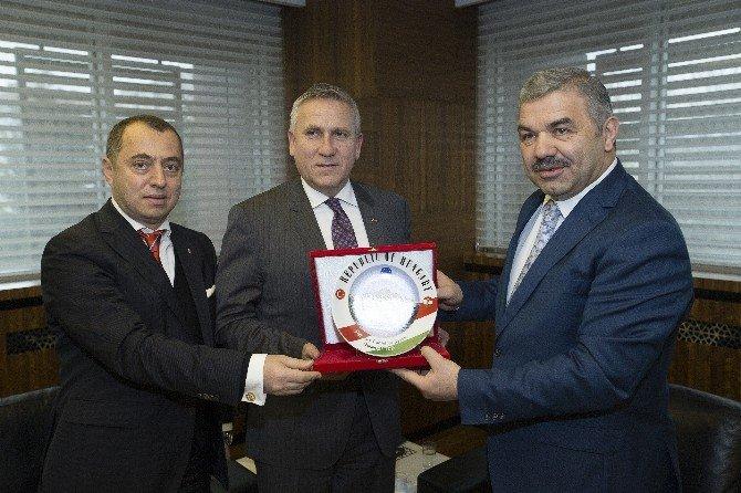 Macar Büyükelçi'den Samimi Ziyaret