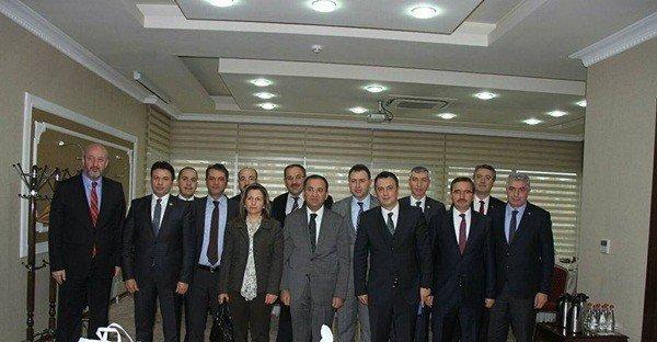 İç Nadolu Bölgesi Baro Başkanları Adalet Bakanı Bekir Bozdağ'ı Makamında Ziyaret Etti