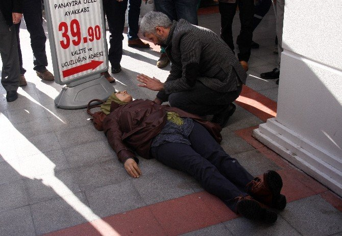 AVM'nin 2. Katından Düşen Kadın Ağır Yaralandı