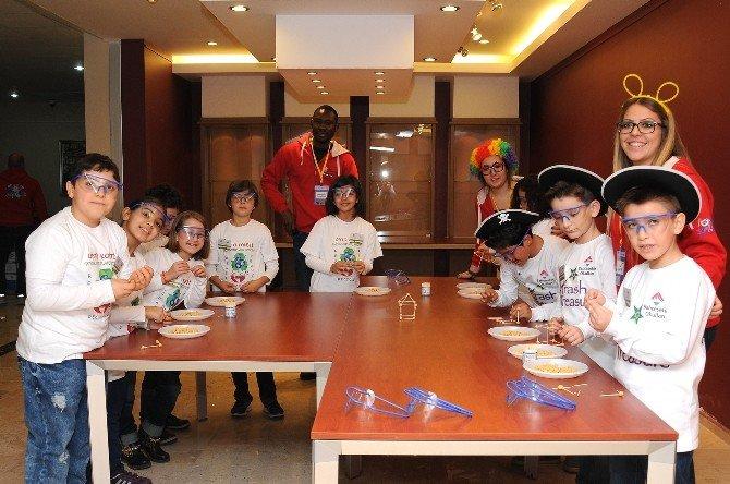 MEÜ'de 'Minik Bilim Kahramanları Buluşuyor' Fuarı Düzenlendi
