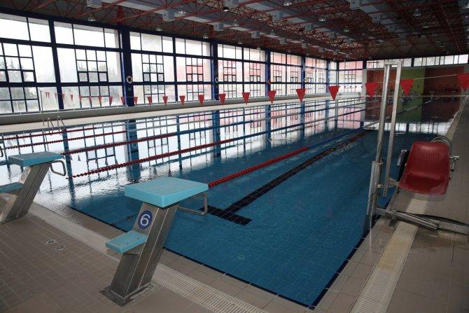 Çukurova Üniversitesi Özdemir Sabancı Kapalı Yüzme Havuzu yenilendi