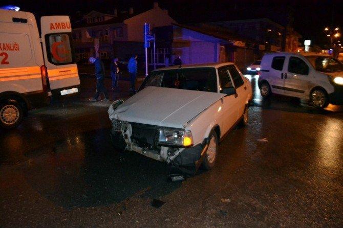 İki Kişinin Yaralandığı Trafik Kazasında Şoför Muamması Yaşandı