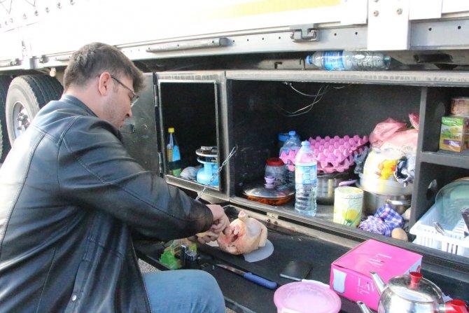 Irak'a yük taşıyan araç kuyruğu Nusaybin'e ulaştı