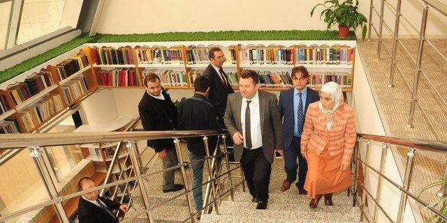 Erzurum Milletvekili Zehra Taşkesenlioğlu'ndan ETÜ Kütüphanesine Ziyaret