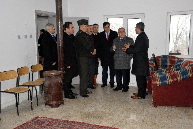Vali Nayir Pazaryeri İlçesini Ziyaret Etti