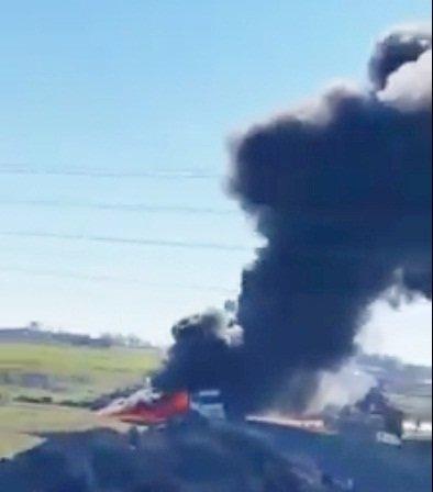 Yakıt yüklü tanker alev alev yandı