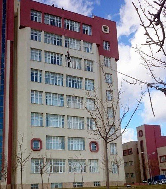 ADÜ Hastanesinde Acil Durum Tatbikatı Gerçekleştirildi