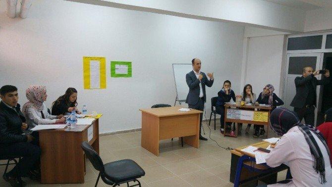 Hisarcık Anadolu Lisesi'nde Münazara Turnuvası