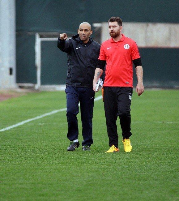 Antalyaspor'da İkinci Yarı Hazırlıkları Sürüyor