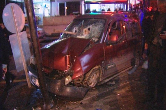 Ankara'da polisten kaçan zanlılar kaza yaptı