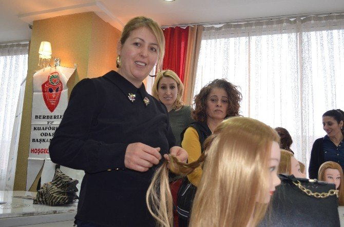 Berberler Odasından Kuaförlere Ücretsiz Topuz Eğitimi
