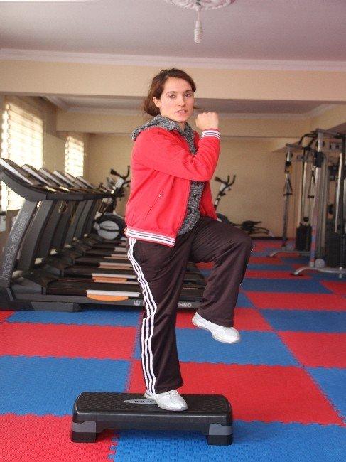 Bitlisli Kadınlar Sporla Ön Yargıları Kırıyor