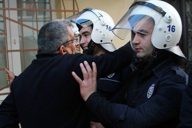 Bursa'da Baz İstasyonu Gerginliği