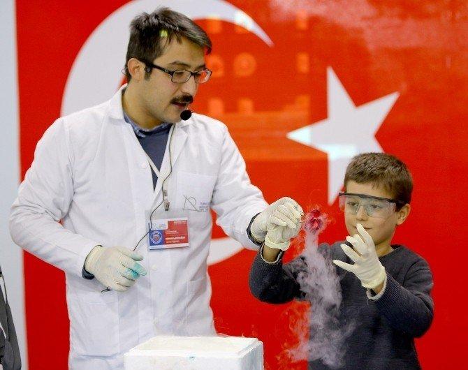 Bilimi Öğrencilerin Ayağına Götürdüler