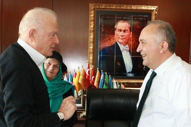 Şansal Büyüka Çiftlikköy'e Hayran Kaldı