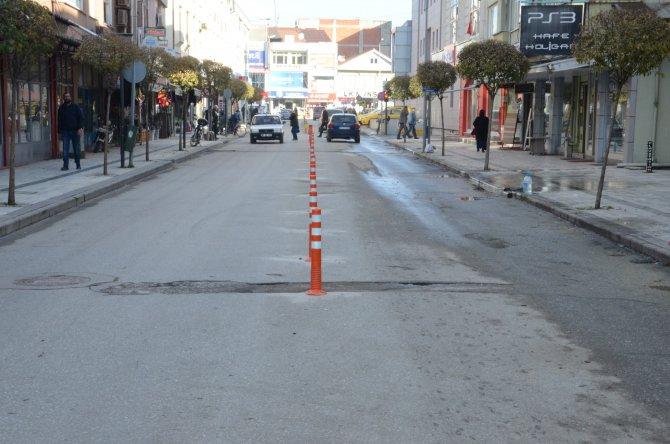 Düzce'de kaldırımlara park eden araçlara ceza