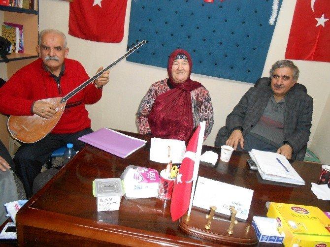 """Eşyoder Üyeleri """"Çalışan Gazeteciler Günü""""nü Şiirler Ve Türkülerle Kutladı"""