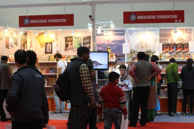 Hindistan'daki fuarda Fethullah Gülen'in kitapları okuyucularıyla buluştu