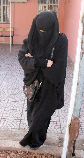Rus Kadın Canlı Bomba Olarak Geri Dönecekti