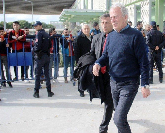 Galatasaray'a İzmir'de Sönük Karşılama