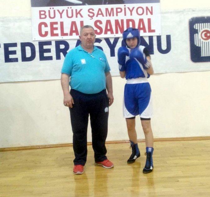 Bursalı boksör üçüncü oldu