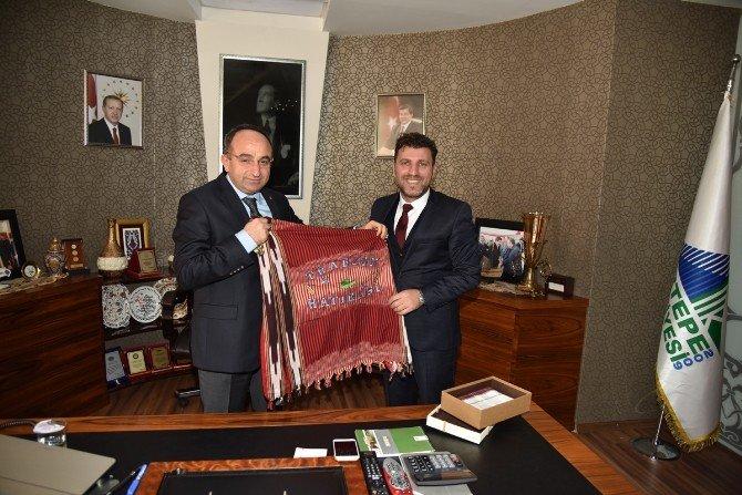 Karadeniz Derneklerinden Başkan Üzülmez'e Ziyaret