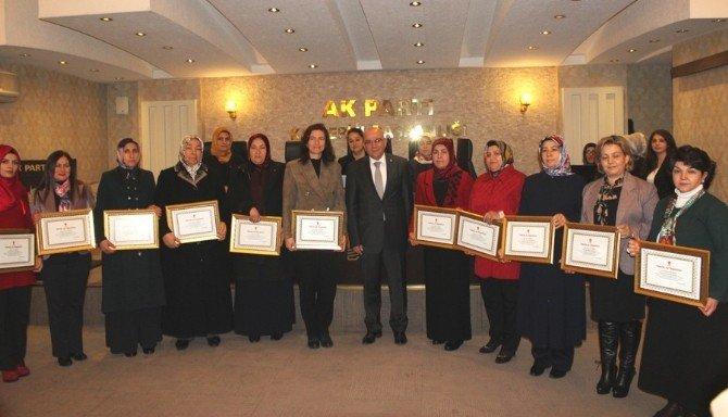 AK Kadınlar Danışma Toplantısında Bir Araya Geldi