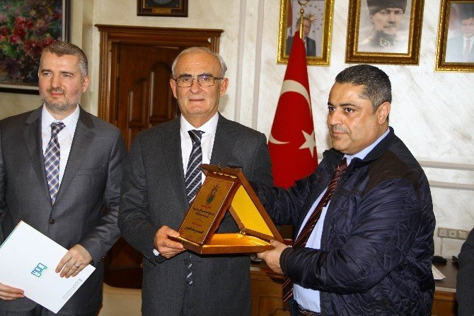 Ürdün Zerka Belediye Başkanı, Başkan Yılmaz'ı Ziyaret Etti