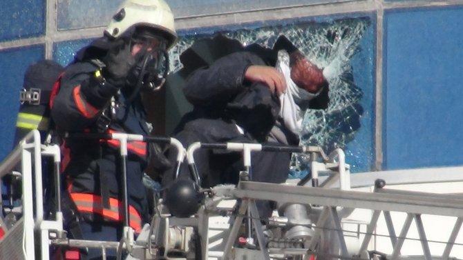Yangında mahsur kalan işçiler kurtarıldı