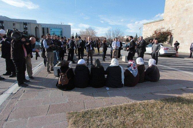 HDP'li Kadınlardan Meclis'te Oturma Eylemi
