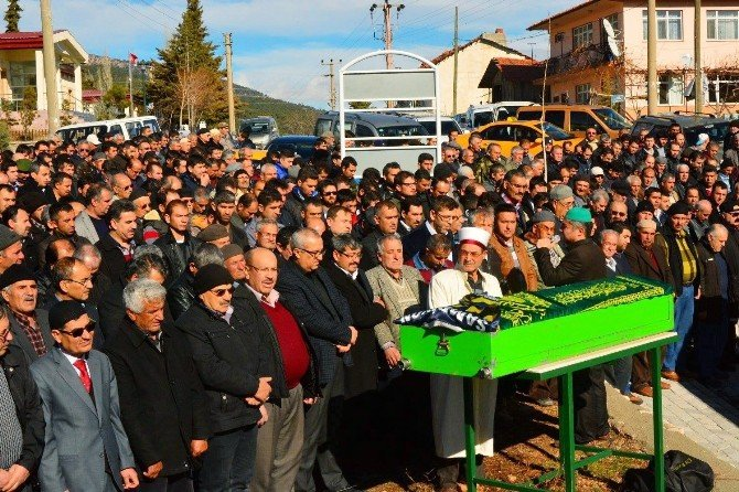 MHP'li Yönetici Gözyaşlarıyla Uğurlandı
