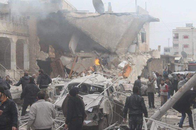 Rusya Uçakları Sarmada Ve Maarat Numan'ı Vurdu: 65 Ölü, 140'a Yakın Yaralı