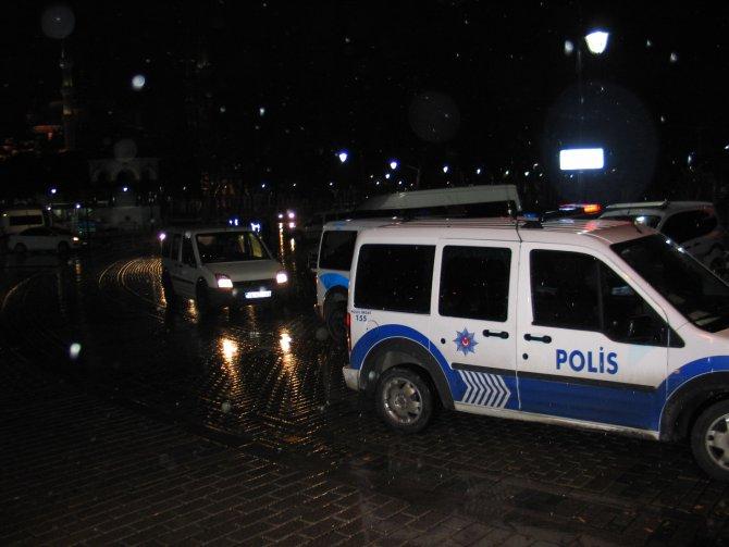 Sultanahmet Meydanı, 12 saat sonra yaya trafiğine açıldı
